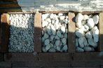 Kerti díszkavicsok: Bianco Carrara kavics (fehér) 25 Kg Három méret