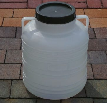 Műanyag hordó 20 Literes menetes tetővel